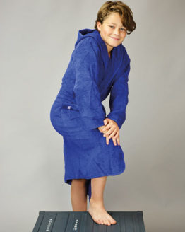 Bademäntel von der Marke A&R namens Boyzz & Girlzz® Hooded Bathrobe in der Farbe Aqua Blue