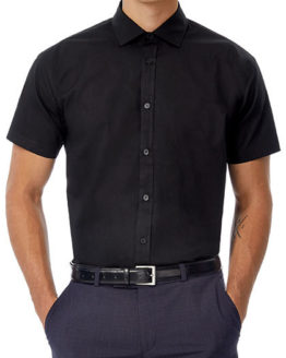 Hemden von der Marke B&C namens Poplin Shirt Black Tie Short Sleeve / Men in der Farbe Black