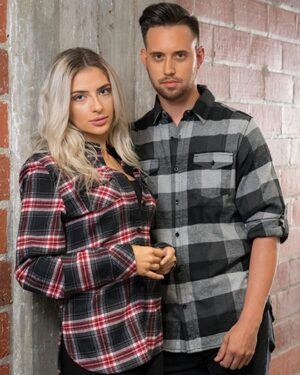Hemden von der Marke Burnside namens Woven Plaid Flannel Shirt in der Farbe Black Check