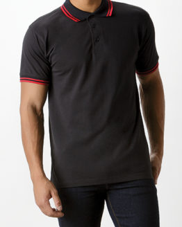 Poloshirts von der Marke Kustom Kit namens Classic Fit Tipped Collar Polo in der Farbe Black
