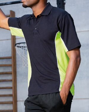 Poloshirts von der Marke Gamegear namens Classic Fit Track Polo in der Farbe Black