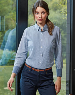 Blusen von der Marke Premier Workwear namens Ladies Cotton Rich Oxford Stripes Shirt in der Farbe White