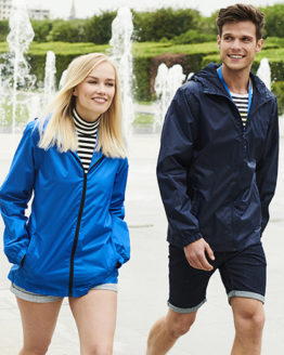 Jacken von der Marke Regatta Professional namens Avant - Waterproof Unisex Rainshell Jacket in der Farbe Lime Zest