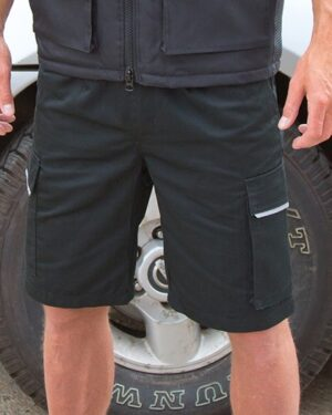 Hosen von der Marke WORK-GUARD namens Action Shorts in der Farbe Black