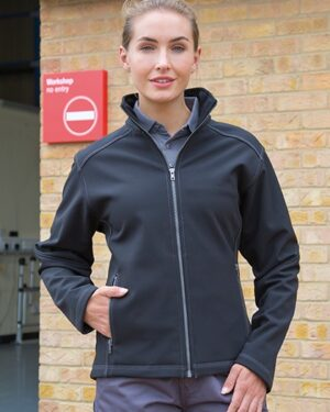 Jacken von der Marke WORK-GUARD namens Women´s Treble Stitch Softshell Jacket in der Farbe Black