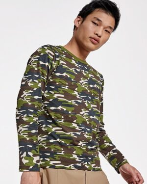 T-Shirts von der Marke Roly namens Molano T-Shirt Longsleeve in der Farbe Camouflage Forest 232