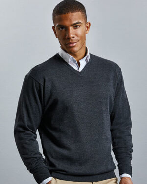 Pullover von der Marke Russell Collection namens Men`s V-Neck Knitted Pullover in der Farbe Black